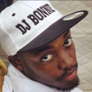 DJ Bonnie - Mzansi Ft. Boyzee & SneMusiq